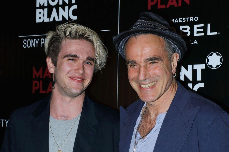 Avec son père Daniel Day-Lewis