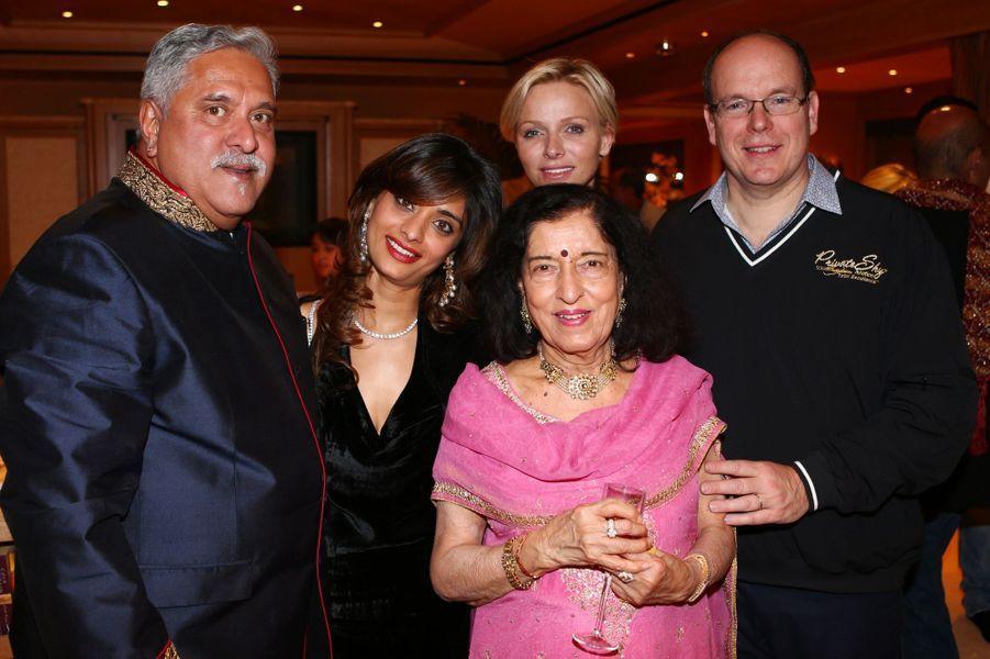Le couple a rencontré Vijay Mallya, propriétaire de l'écurie Sahara Force India, et sa famille.