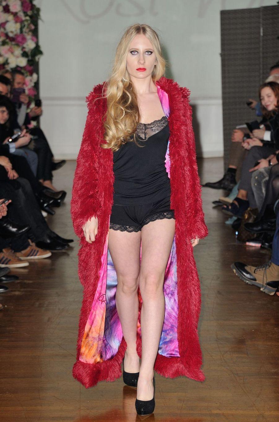 Louise Depardieu modèle au defilé Haute couture en faveur de l'association Meghanora au salon des miroirs a Paris, le 20 février 2016
