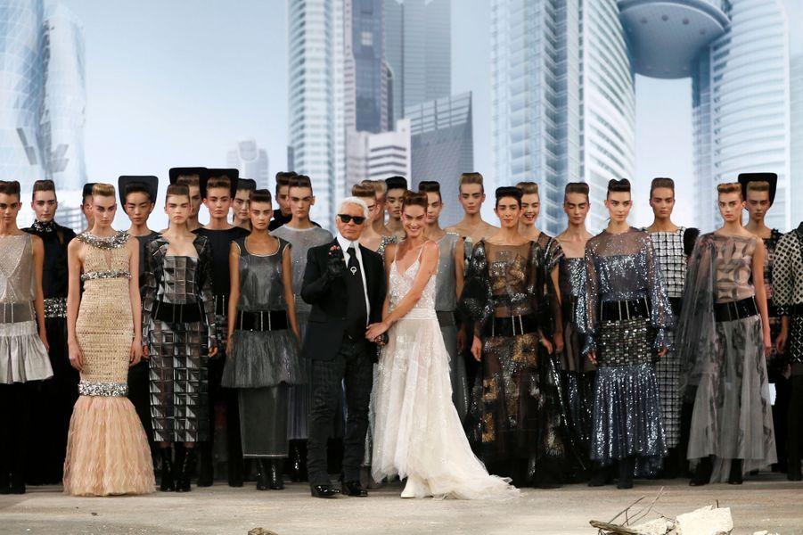 La Haute-Couture post-apocalypse de Chanel