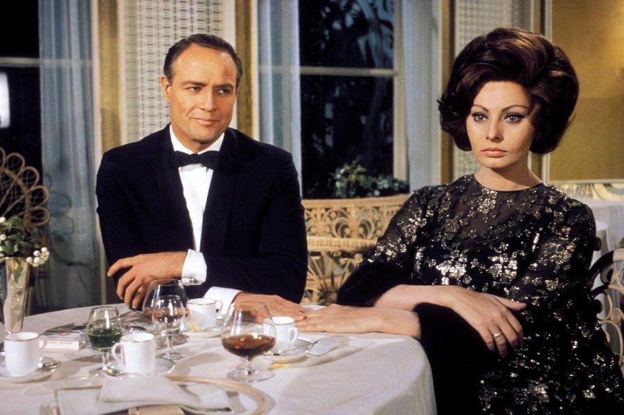 Marlon Brando partage en 1967 l'affiche du film «La comtesse de Hong Kong», réalisé par Charlie Chaplin, avec la sublime Sophia Loren.