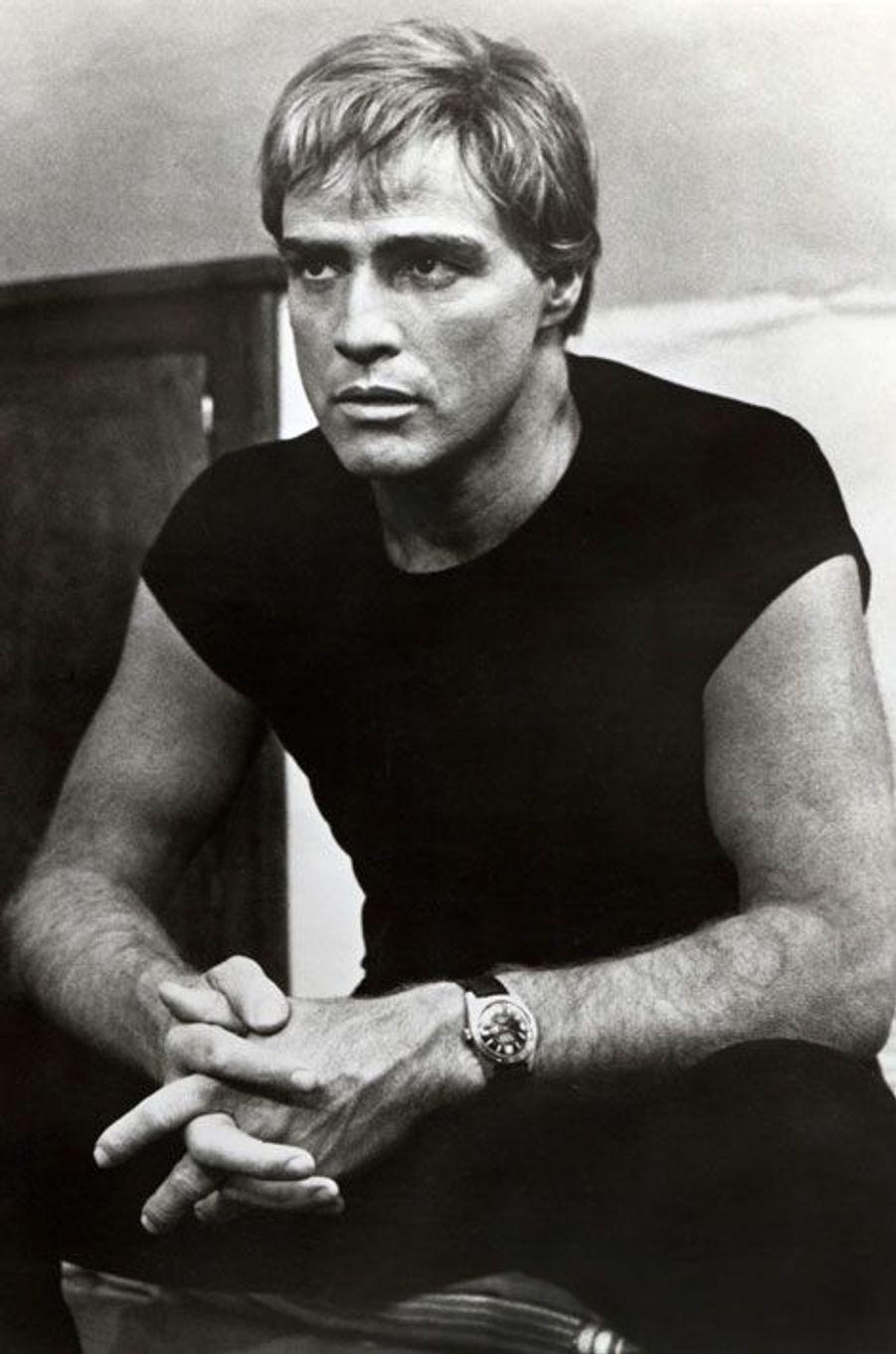 En 1968, Marlon Brando tourne sous la direction de Hubert Cornfield «La nuit du lendemain».