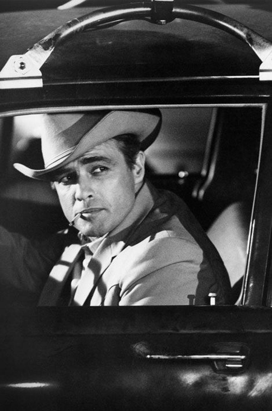 Marlon Brando sur le tournage du long-métrage «La Poursuite impitoyable» en 1966.