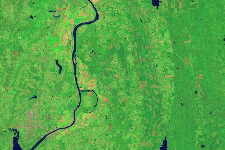 Un B formé par la rivière Arkansas, aux États-Unis