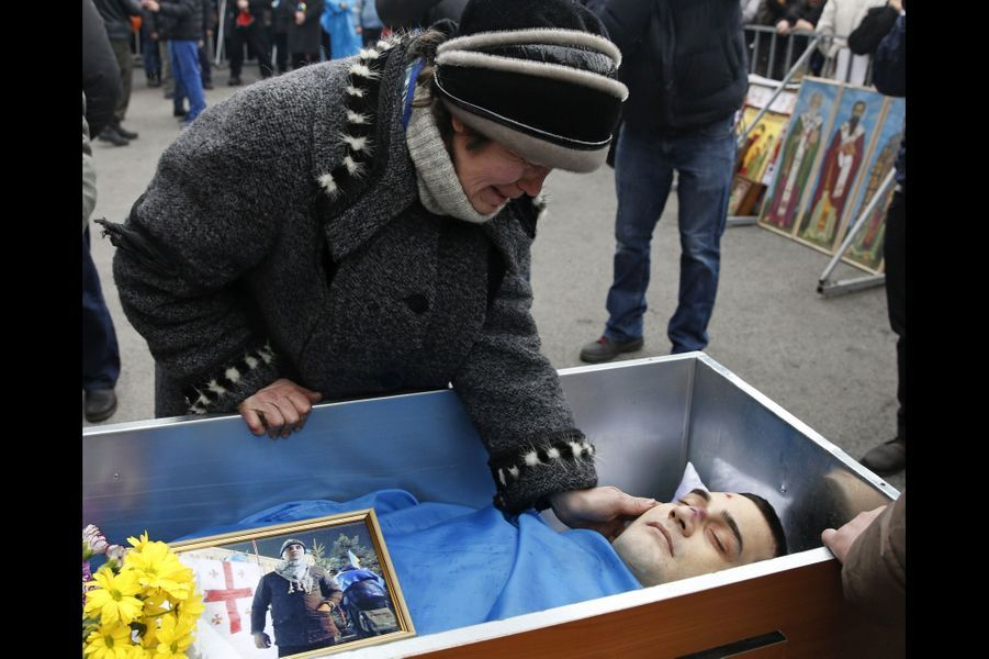 Funérailles d'un manifestant anti-Ianoukovitch