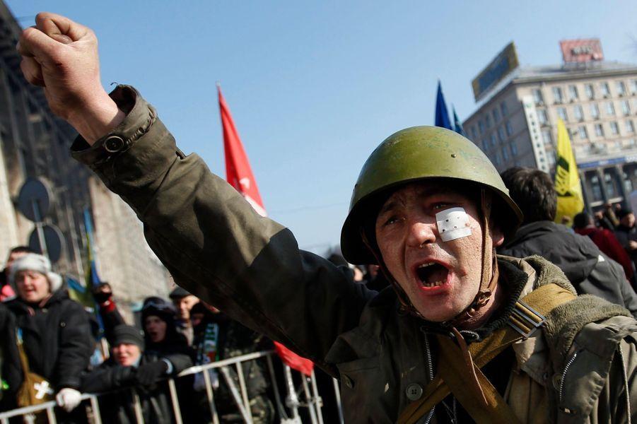 Militant anti-Ianoukovitch