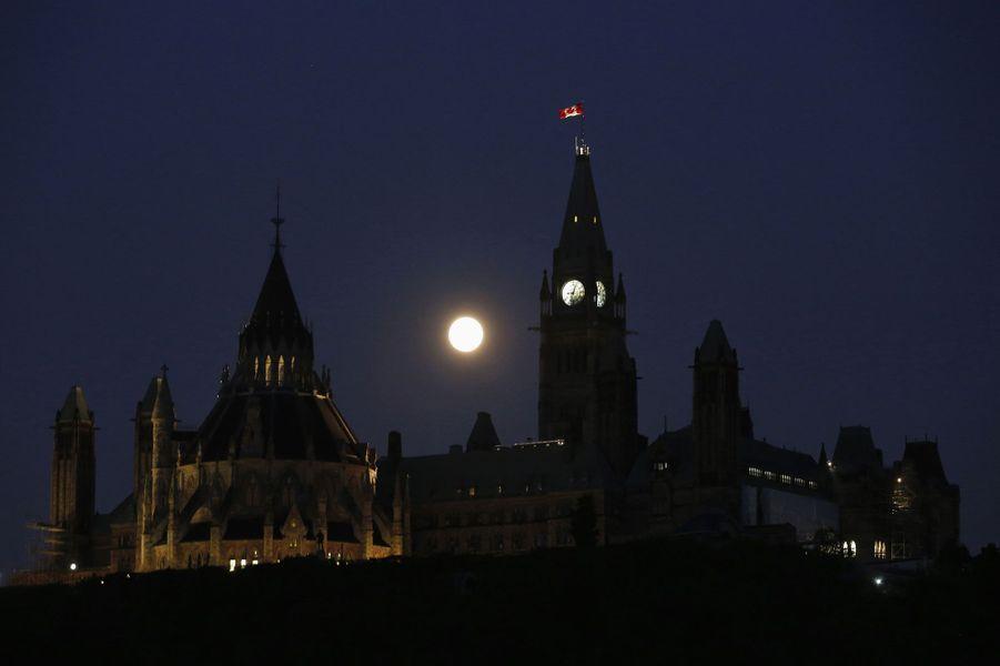 A Ottawa (Canada)