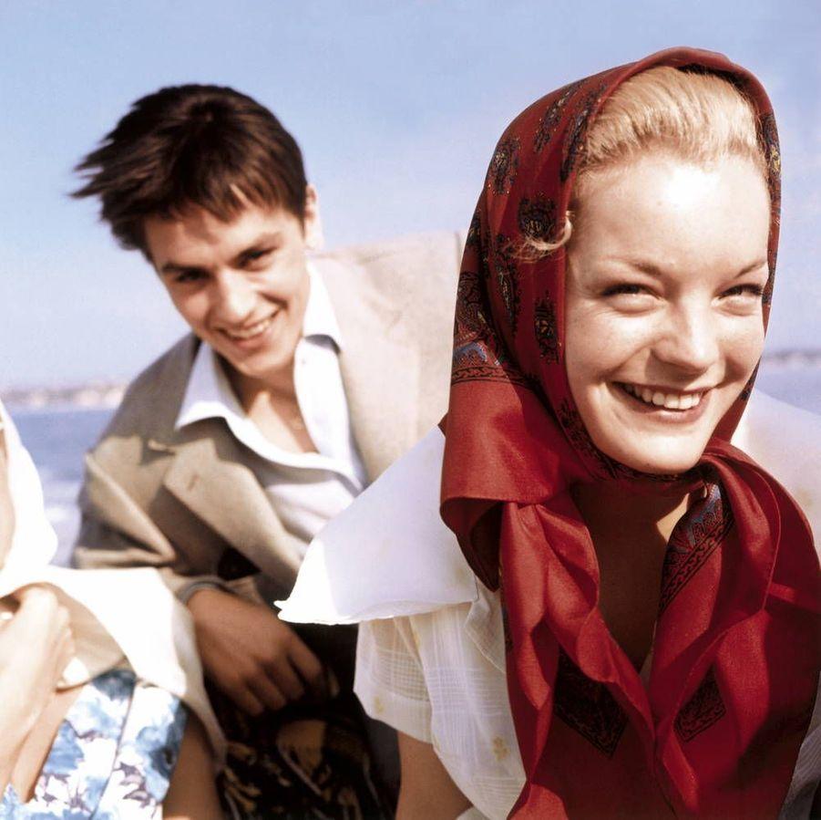 Romy Schneider et Alain Delon au 12e Festival de Cannes. L'actrice est venue présenter Carnets intimes de Jeune fille, de Rodolf Thiele. 1959.