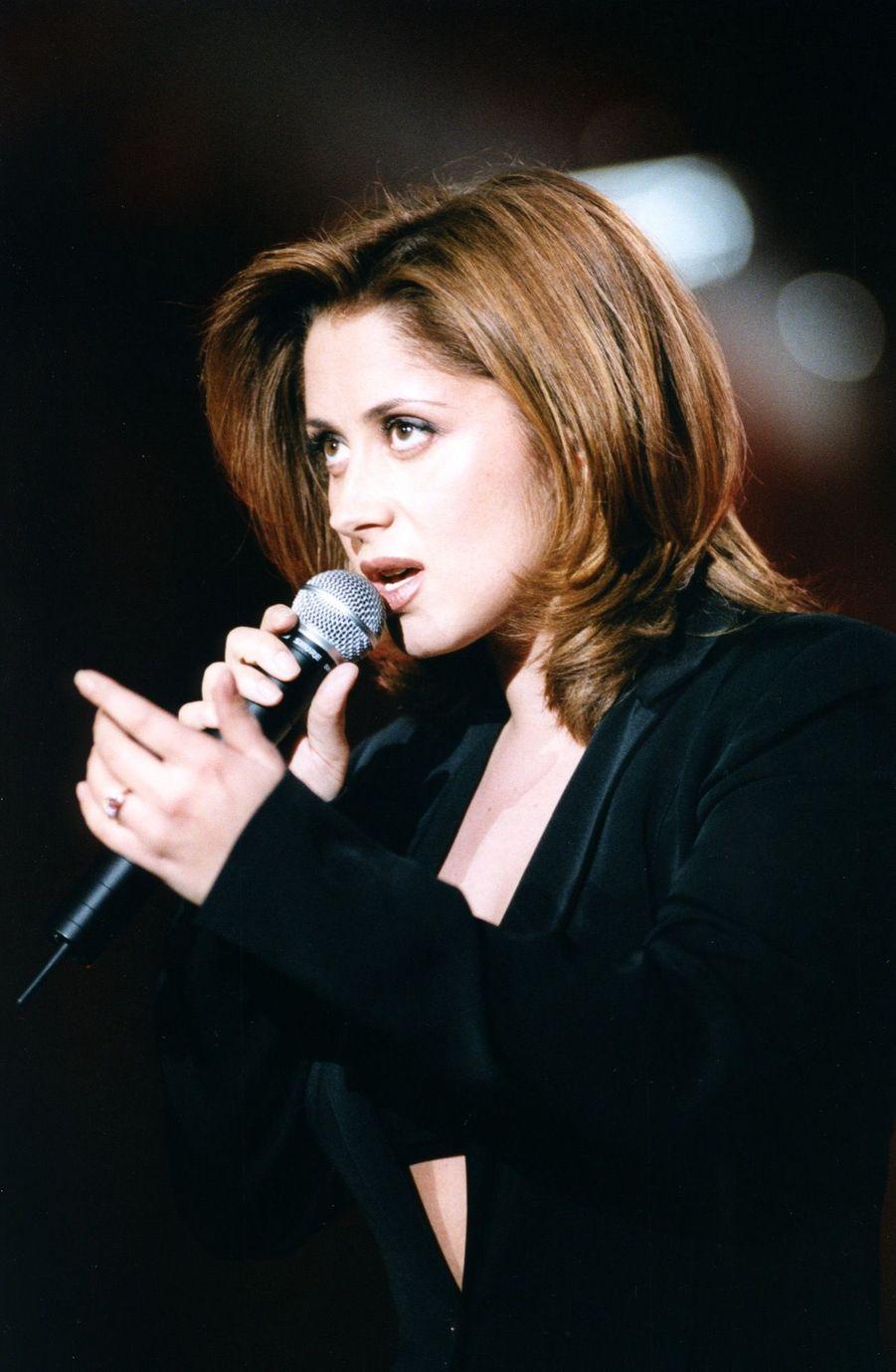 Lara Fabian en concert en 1998.