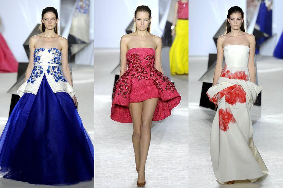 Réputé pour ses créations enchanteresses, l'Italien n'a pas failli à sa réputation dans la capitale de la mode. Retrouvezici le compte-rendu du défiléet le défilé en images.