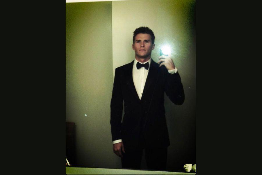 Costard cravate sur Twitter