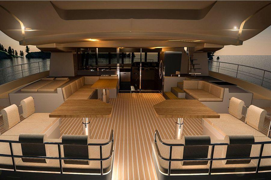 La terrasse du yacht Solarwave 62.