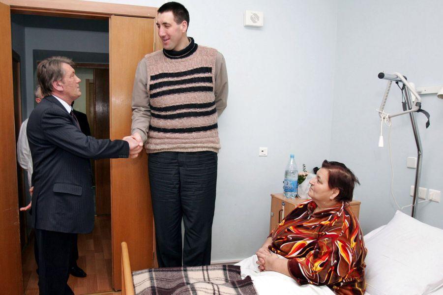 En janvier 2006, le président ukrainien Viktor Iouchtchenko était venu saluer Leonid Stadnyk au chevet de sa mère, dans un hôpital de Kiev