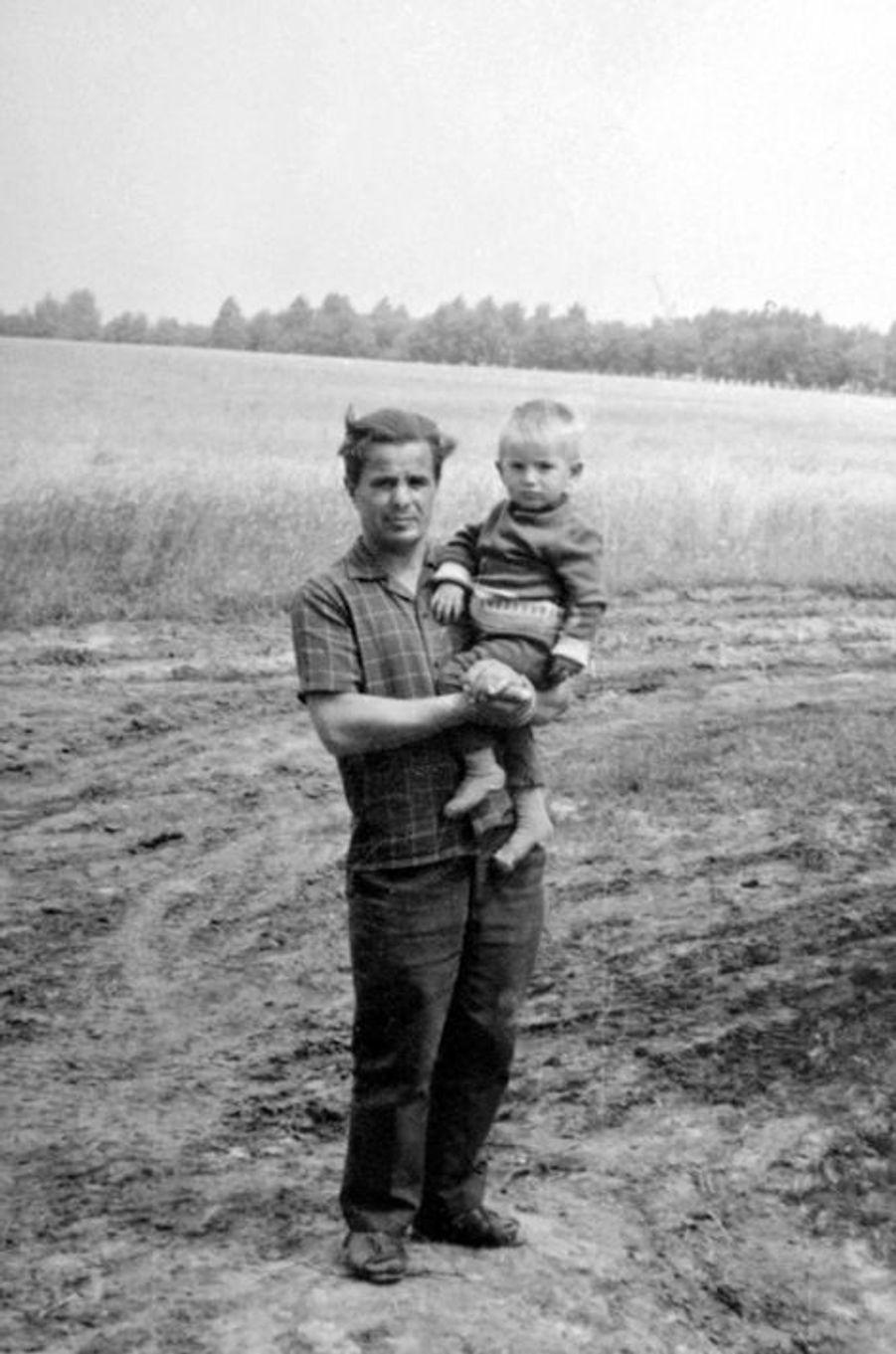 Photo de famille de Leonid Stadnyk, prise en 1972