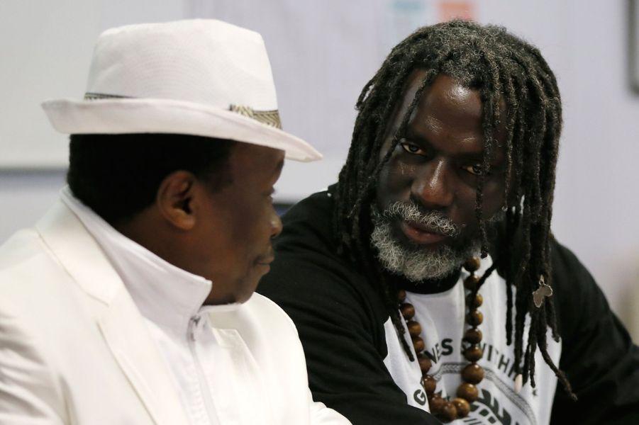 On ne peut pas réellement dire de lui qu'il est ivoirien. C'est un musicien africain, sans frontière, qui n'hésite pas à s'attirer les foudres de Laurent Gbagbo. Contraint de s'exiler sous les menaces de mort en 2003, il s'installe au Mali et compose ses sonorités reggae qui accusent la politique des chefs d'Etat africains depuis des années. Il se positionne également en faveur de l'éducation, et construit une école dans sa région natale.