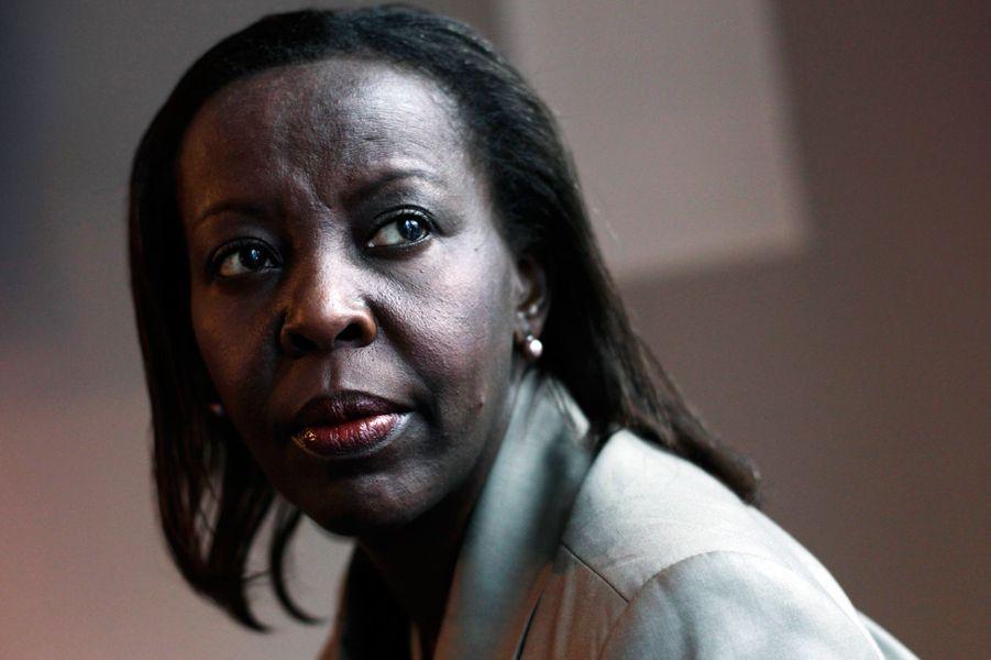 Ministre des Affaires étrangères et porte-parole du gouvernement de Paul Kagamé depuis 2009, Louise Mushikiwabo n'a pas la langue dans sa poche. Elle n'hésite pas à dénoncer certains régimes d'Afrique en place grâce à des systèmes rodés. On se souvient également de sa réaction vive au discours de François Hollande lors du 15e sommet de la Francophonie qui accusait le président français de vouloir dicter la politique en Afrique