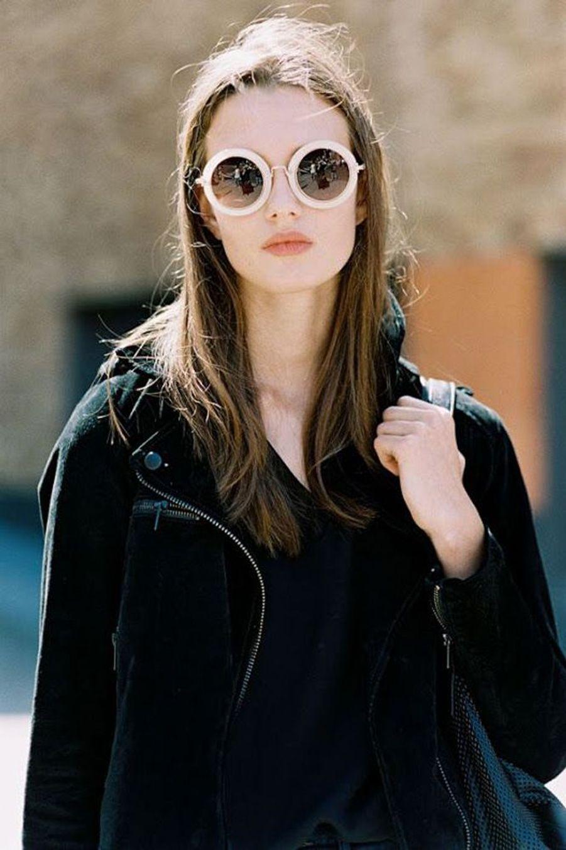 Simplicité et efficacité pour ces lunettes de soleil rondes et pastel. (voir l'épingle)Suivez nous sur Pinterest!