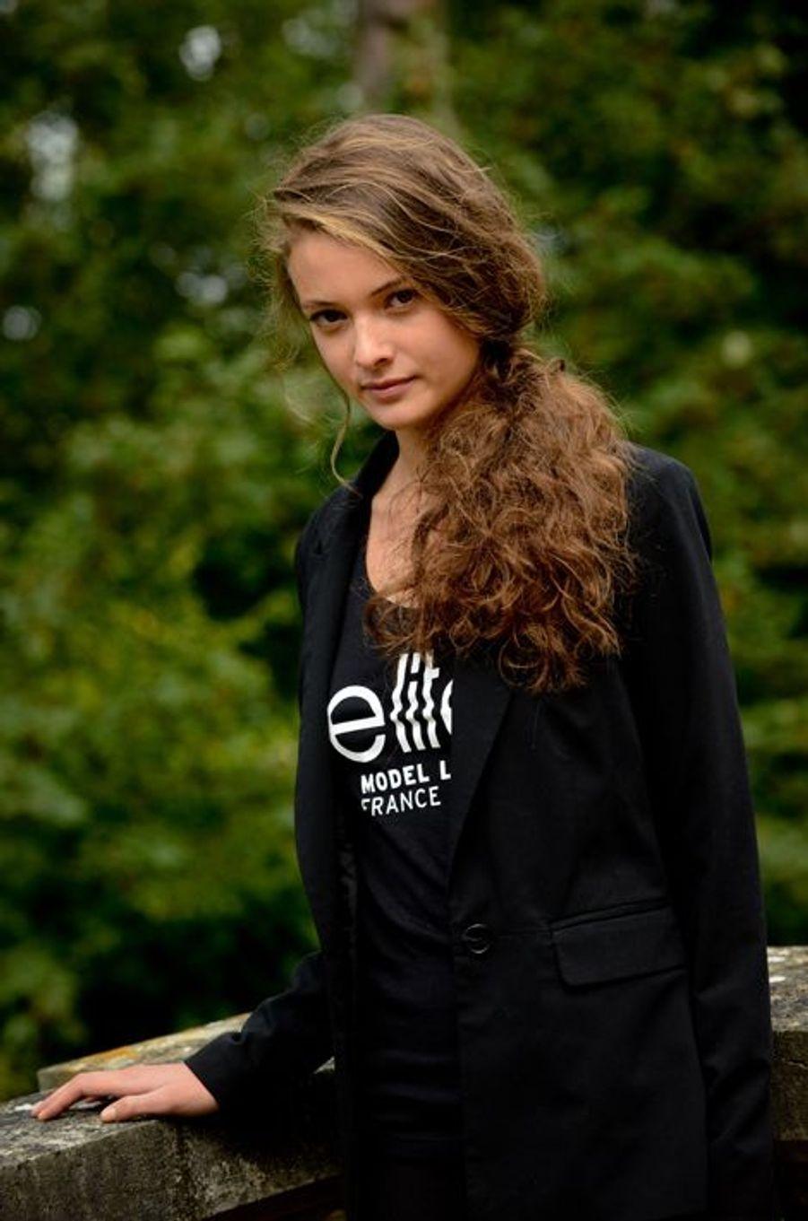 Marie, 17 ans, 1m75, originaire de Granville