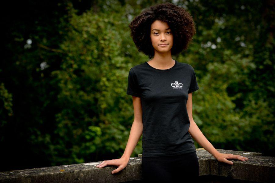 Noémie, 16 ans, 1m80.5, originaire de Pont-à-Marcq