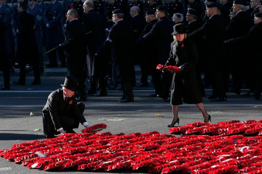 Les Anglais solennels pour le dimanche du souvenir