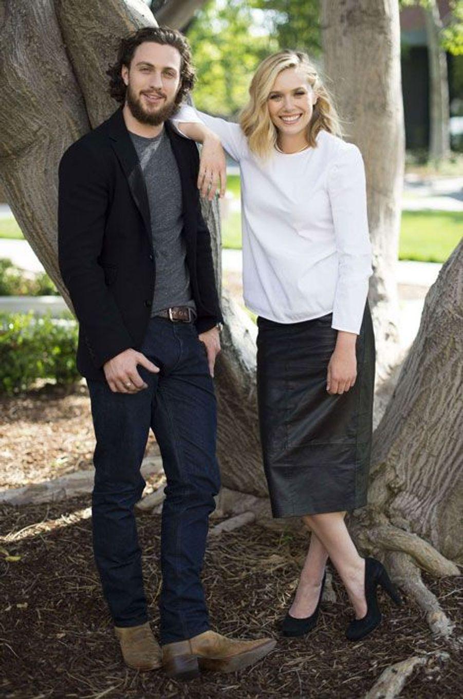 Aaron Taylor-Johnson et Elizabeth Olsen sont Vif-Argent (Quicksilver) et la Sorcière rouge (Scarlet Witch)