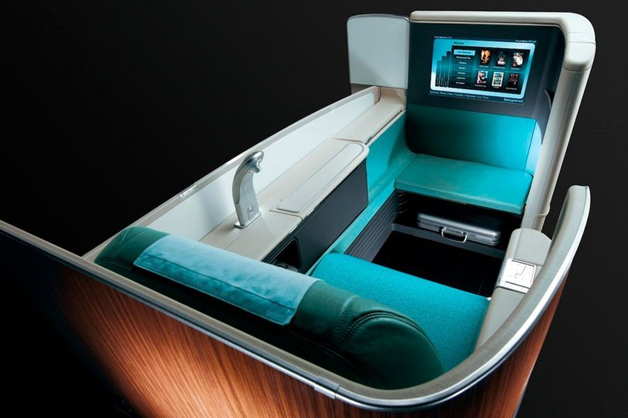 19) Korean Air Kosmo Suite