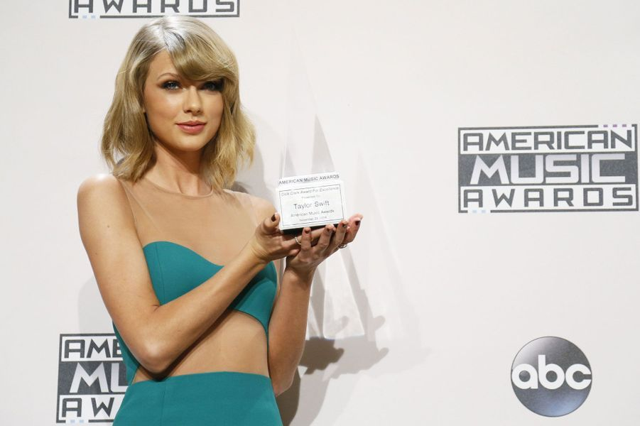10- Taylor Swift 64millions de dollars