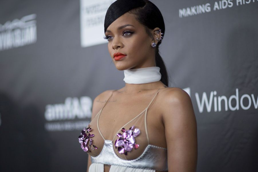 18- Rihanna 48 millions de dollars