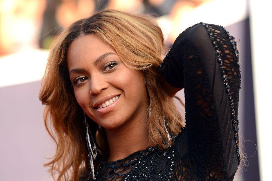 2- Beyoncé 115 millions de dollars