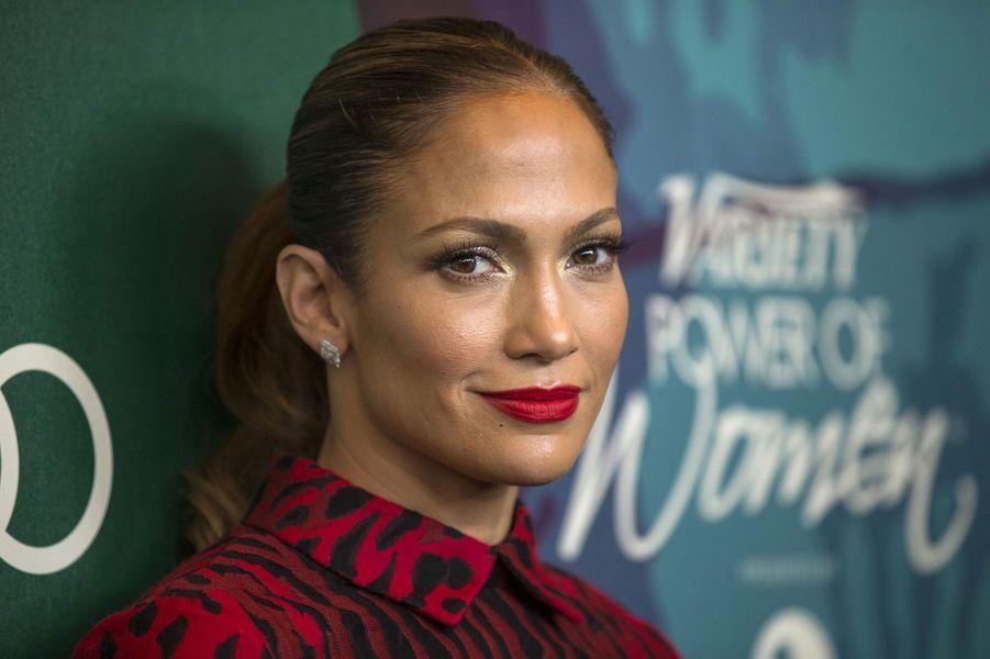 25- Jennifer Lopez 37 millions de dollars