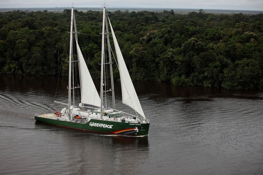 Le Rainbow Warrior III, 2012