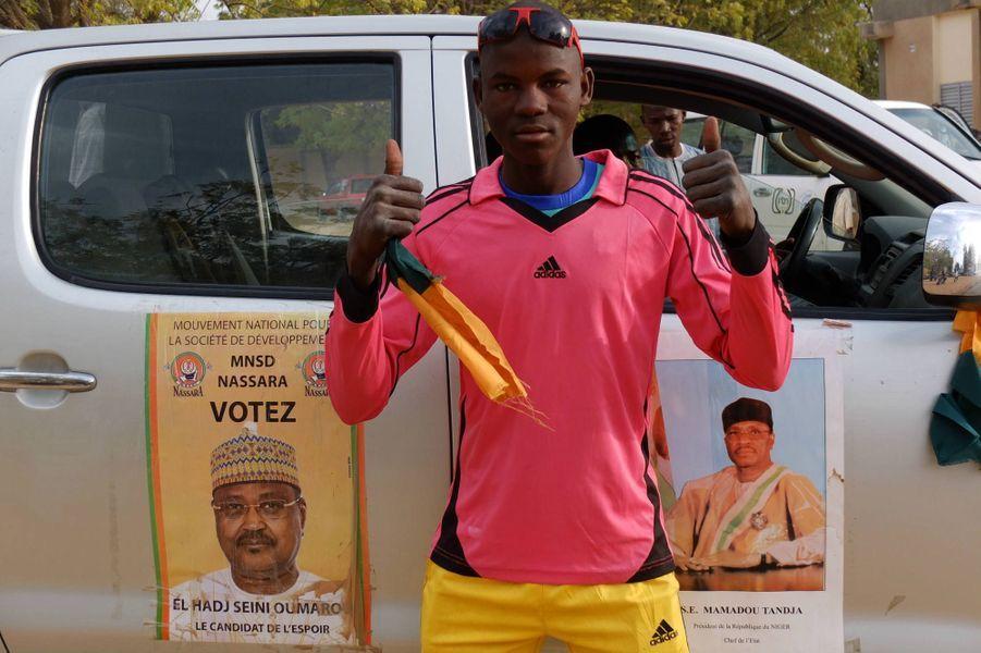 Le vert et orange couleur de l'opposant Seyni Oumarou