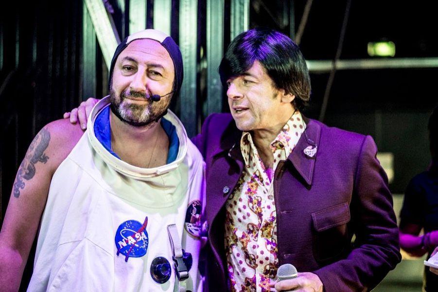 Kad Merad, astronaute coifé, et Patrick Bruel, très perruqué