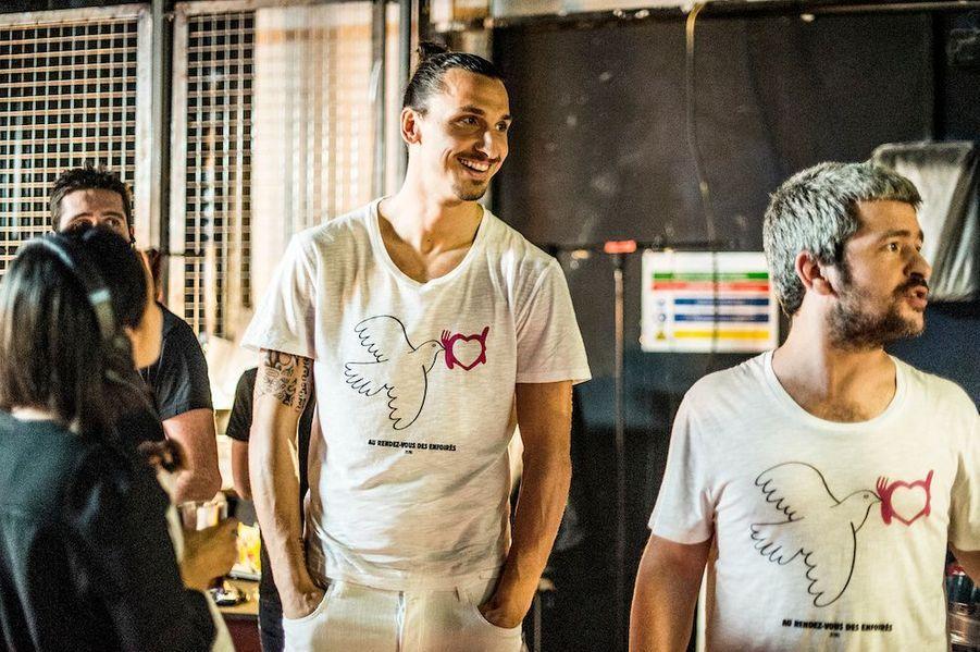 Zlatan, rien dans les mains, rien dans les poches, avec le chanteur Grégoire.