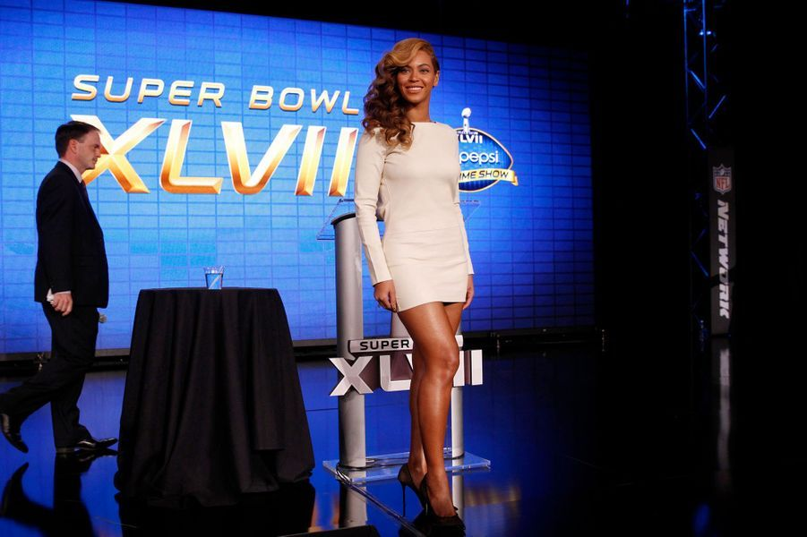 En Olcay Gulden à la conférence de présentation du Super Bowl, en janvier 2013