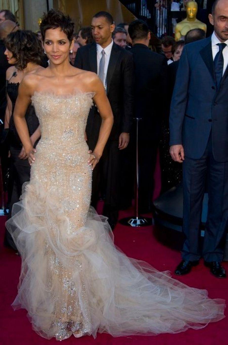 En Marchesa aux Oscars 2011