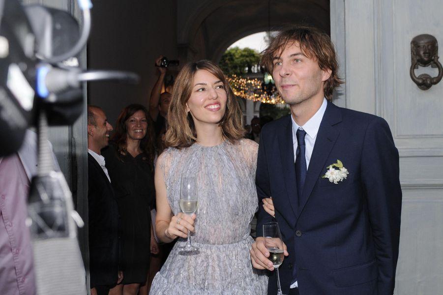 En Azzedine Alaïa pour son mariage avec Thomas Mars, en août 2011