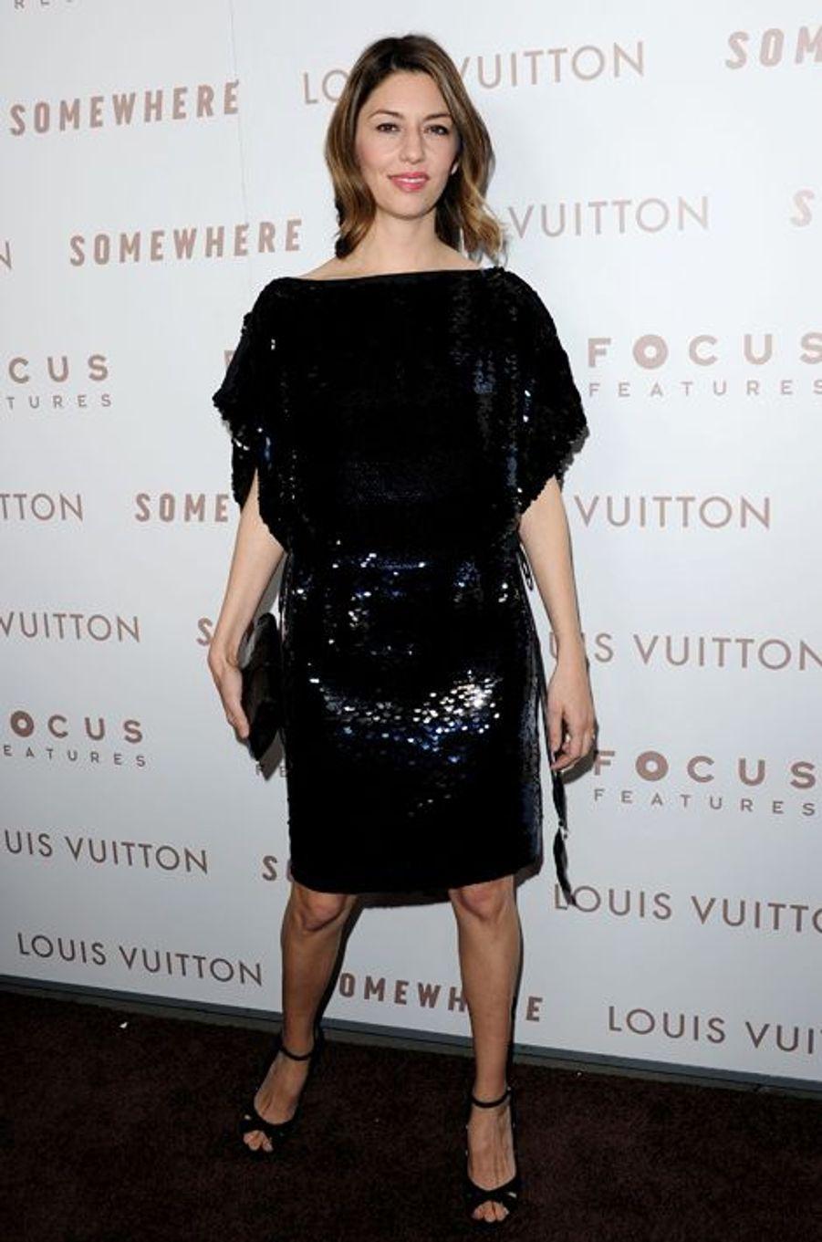 """En Louis Vuitton à la première de """"Somewhere"""", en décembre 2010"""