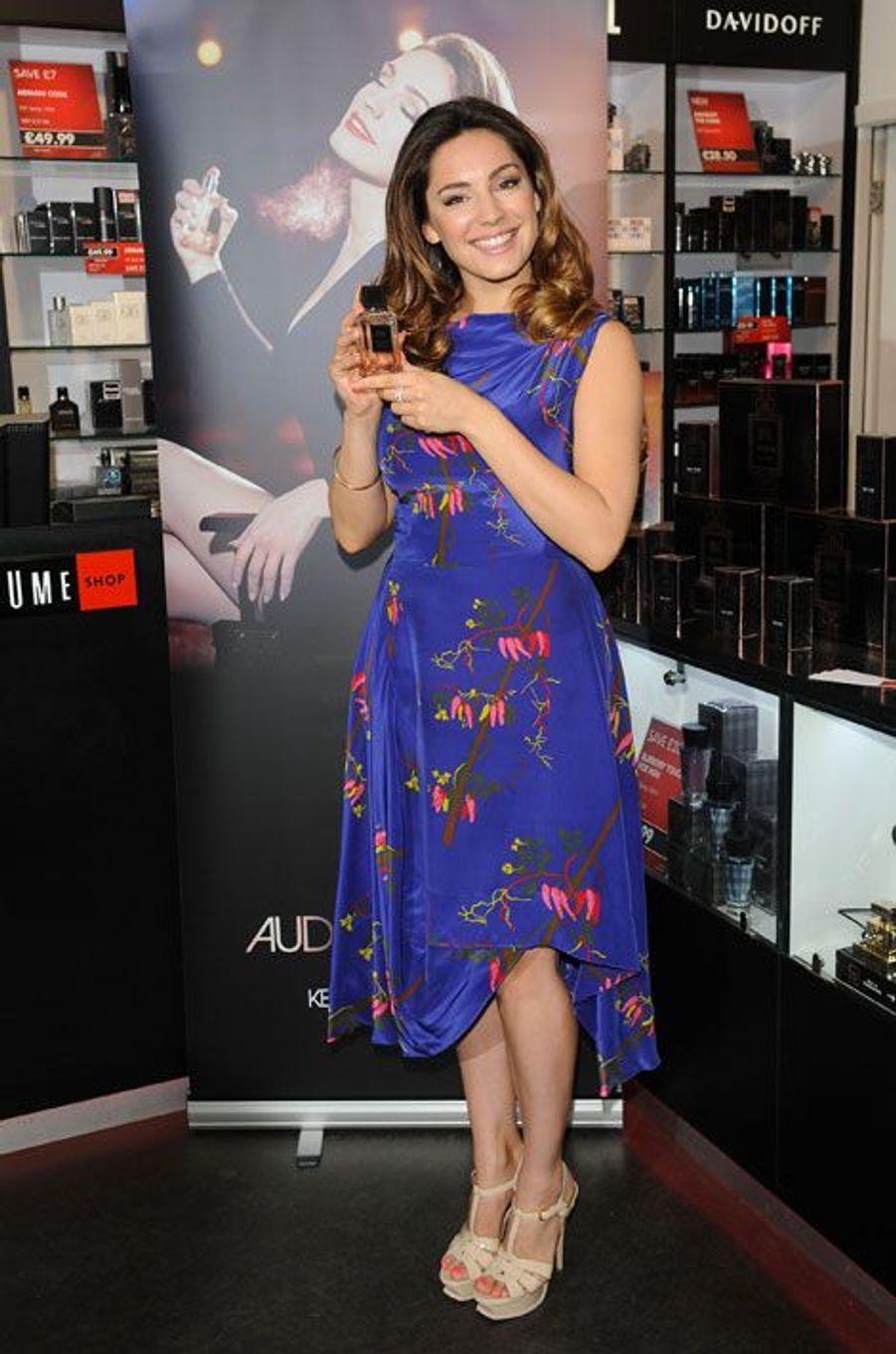 Le top britannique Kelly Brook s'est elle aussi lancée dans les effluves, en présentant son parfum éponyme à Londres en octobre 2007. Elle en a présenté un nouveau au mois de mars dernier, baptisé Audition.