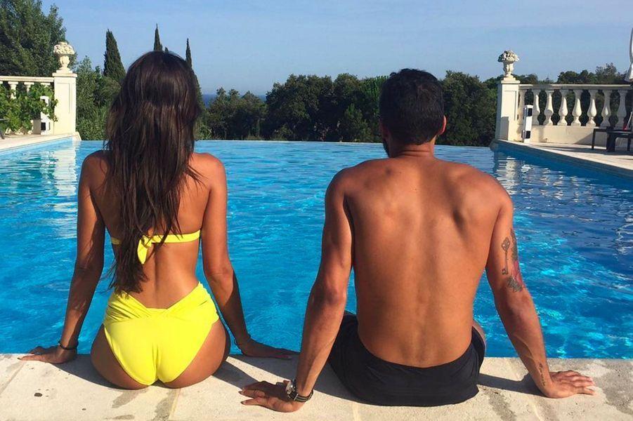 Malika Menard en vacances à Saint Tropez