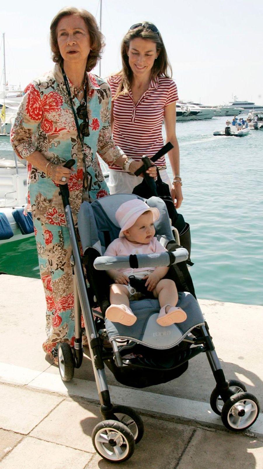 En 2006, Letizia avec sa fille Leonor et la reine Sofia