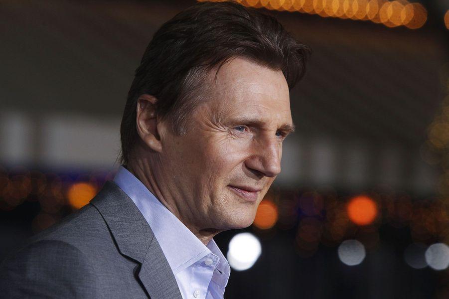 Liam Neeson et l'équipe de «Non-stop» étaient à Los Angeles lundi soir pour présenter en avant-première le nouveau film du réalisateur espagnol Jaume Collet-Serra. Liam Neeson, 61 ans, endosse une nouvelle fois le rôle du sauveur. Cette fois, dans la peau d'un agent de sécurité, il a le destin de 146 passagers d'un vol international entre ses mains. A ses côtés pour cette première, Julian Moore et Lupita Nyong'o, nommée aux Oscars. Le film sortira sur les écrans français dès mercredi.