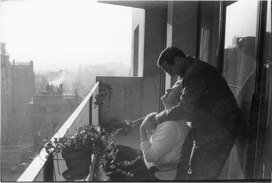 """""""Ils ont une terrasse à l'abri des regards indiscrets"""" - Paris Match n°515, 21 février 1959"""