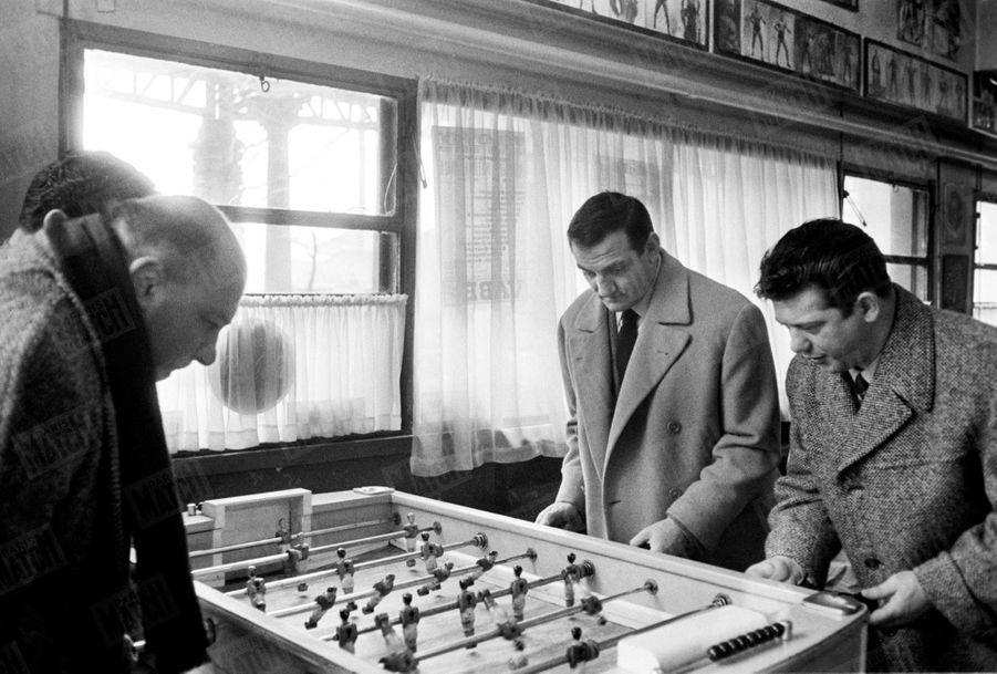 """""""C'est le copain fidèle des catcheurs"""" - Paris Match n°515, 21 février 1959"""