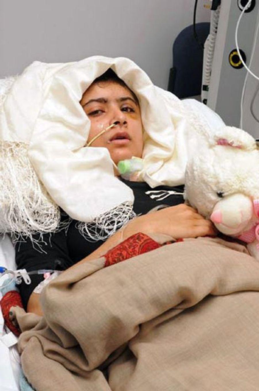 Malala à l'hôpital de Birmingham, le 19 octobre 2012