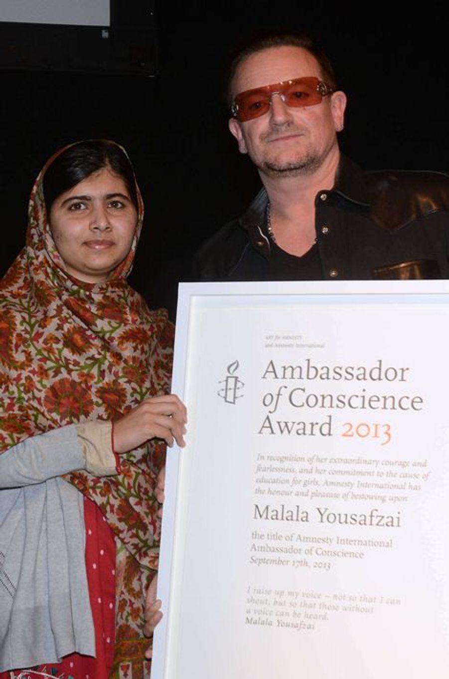 """Malala et Bono à la remise du prix """"Ambassadeur de Conscience"""", par Amnesty International, le 17 septembre 2013"""