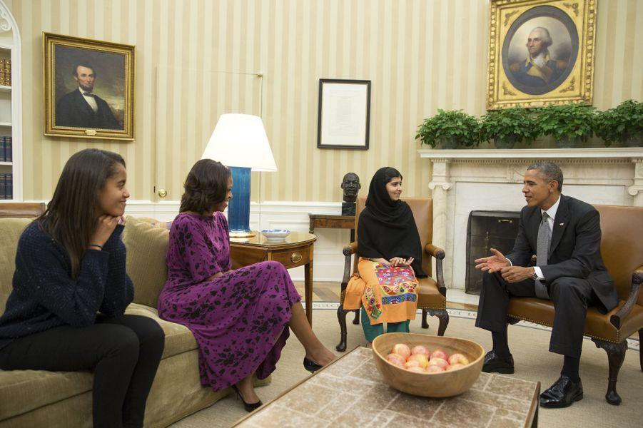 Malala rencontre la famille Obama à la Maison Blanche, le 12 octobre 2013