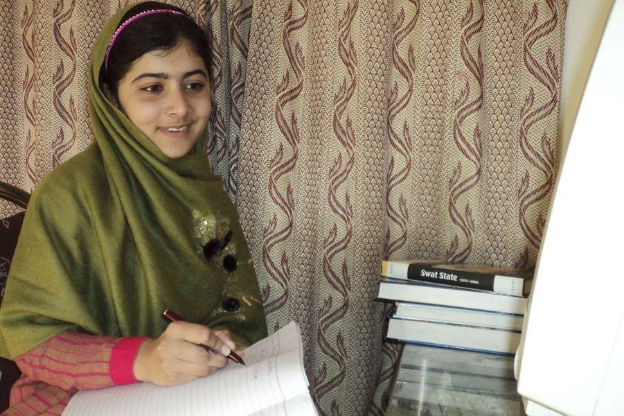 Malala, sur une photo non datée diffusée le jour de sa tentative d'assassinat