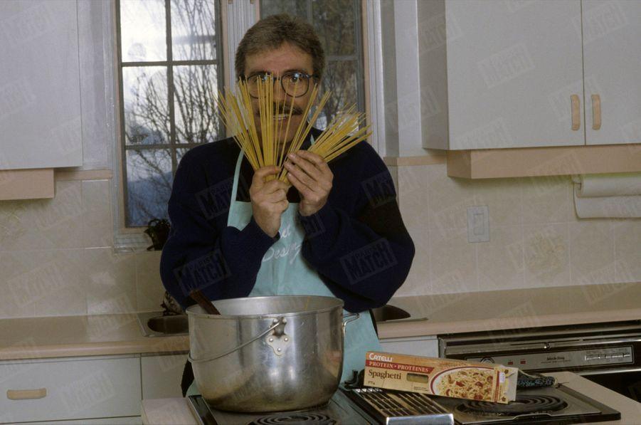 « ... C'est Marcel qui a fait les spaghettis ! » - Paris Match n°2129, 15 mars 1990