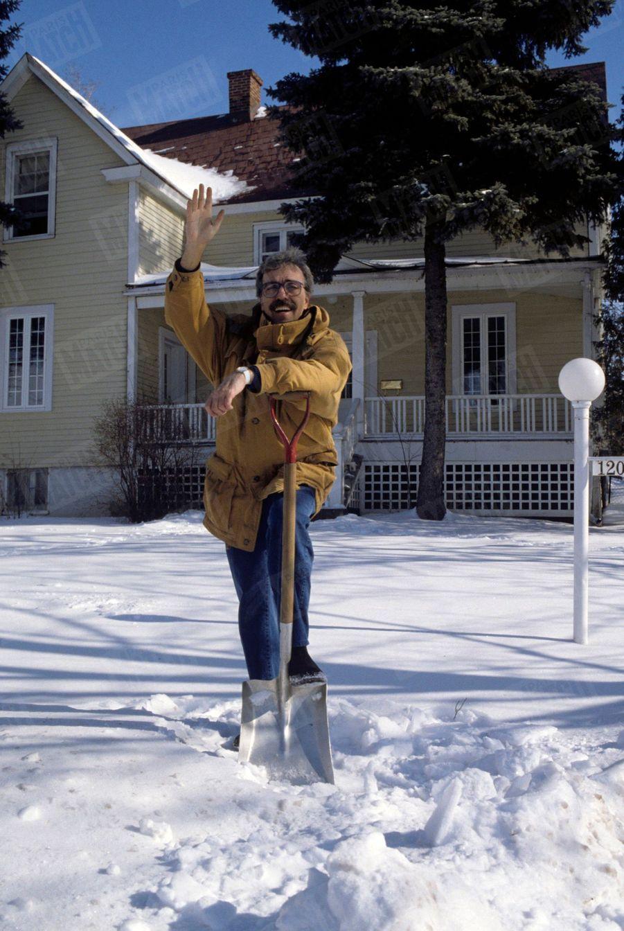 Marcel Béliveau chez lui, au Québec en février1990.